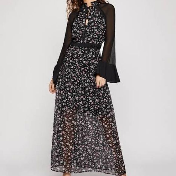 BCBGeneration Dresses & Skirts - NWT WOMENS BCBGENERATION WILD FLOWERS MAXI DRESS